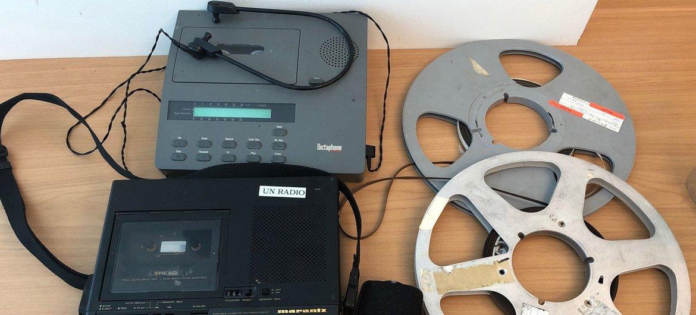 Equipamento para produção radiofónica.