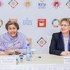 La Vice-Secrétaire générale de l'ONU, Amina Mohammed, (à gauche) lors d'une conférence de presse à Minsk, en Bélarus