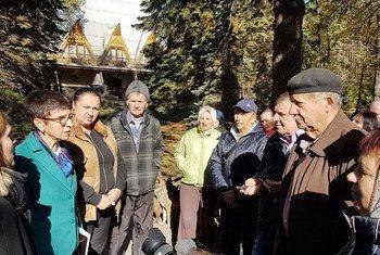 В октябре 2017 г. Урсула Мюллер посетила лагерь для внутренне перемещенных лиц в Святогорске, Украина