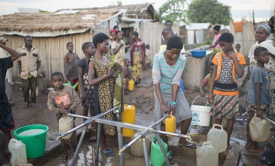 Burundian refugees collect water at Lusenda camp, South Kivu, Democratic Republic of the Congo (DRC).