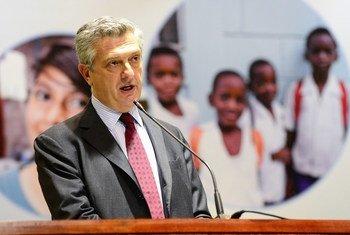 Le Haut-Commissaire des Nations Unies pour les réfugiés, Filippo Grandi, s'adressant aux représentants des pays d'Amérique latine et des Caraïbes lors d'une réunion régionale sur les migrations à Brasilia, au Brésil, le 19 février 2018.