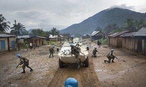 walinda amani kutoka Uruguay nchini DRC wakifanya doria katika mji wa Pinga baada ya waasi kuondoka