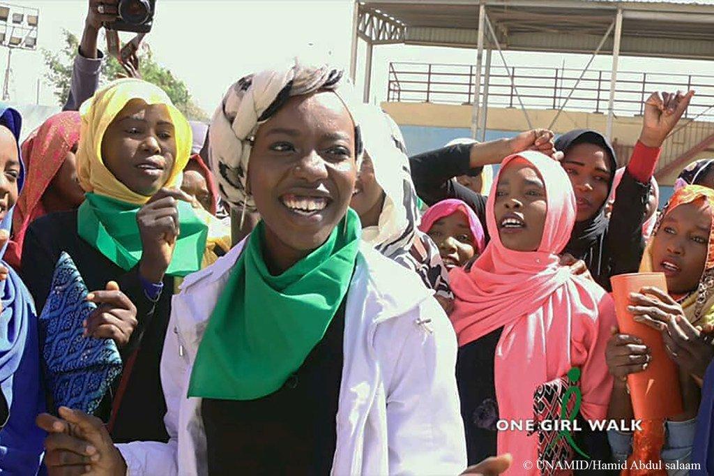 苏丹达尔富尔的年轻人。