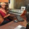 Para além das rádios comunitárias, Moçambique informa-se também através de emissoras com cobertura regional ou nacional.