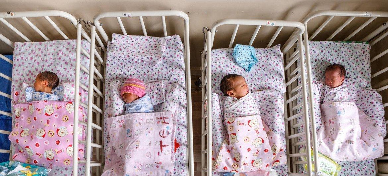 Каждый год 5 мая в ООН отмечают Международный день медсестер и акушерок. Именно они заботятся о младенцах в первые часы и дни тх жизни.