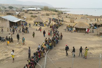 Des réfugiés congolais dans un centre du HCR à Sebagoro, en Ouganda, le 11 février 2018.