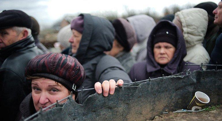 ООН: по обе стороны линии соприкосновения на востоке Украины происходят нарушения прав человека