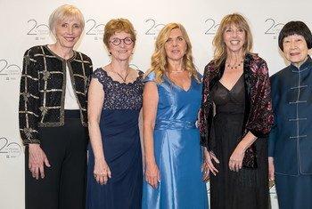 张弥曼教授在2018年欧莱雅-联合国教科文组织杰出女科学家奖颁奖仪式上留影。