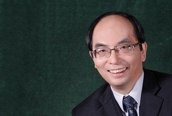国际麻醉品管制局第一副主席郝伟博士