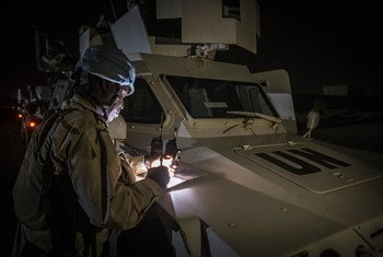 Des Casques bleus sénégalais lors d'une patrouille de nuit à Gao, au Mali, en mai 2017.