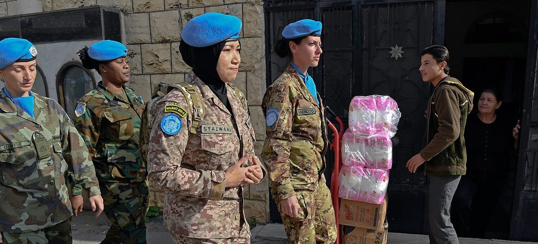 اليونفيل تقوم بأول دورية كل أفرادها من النساء.