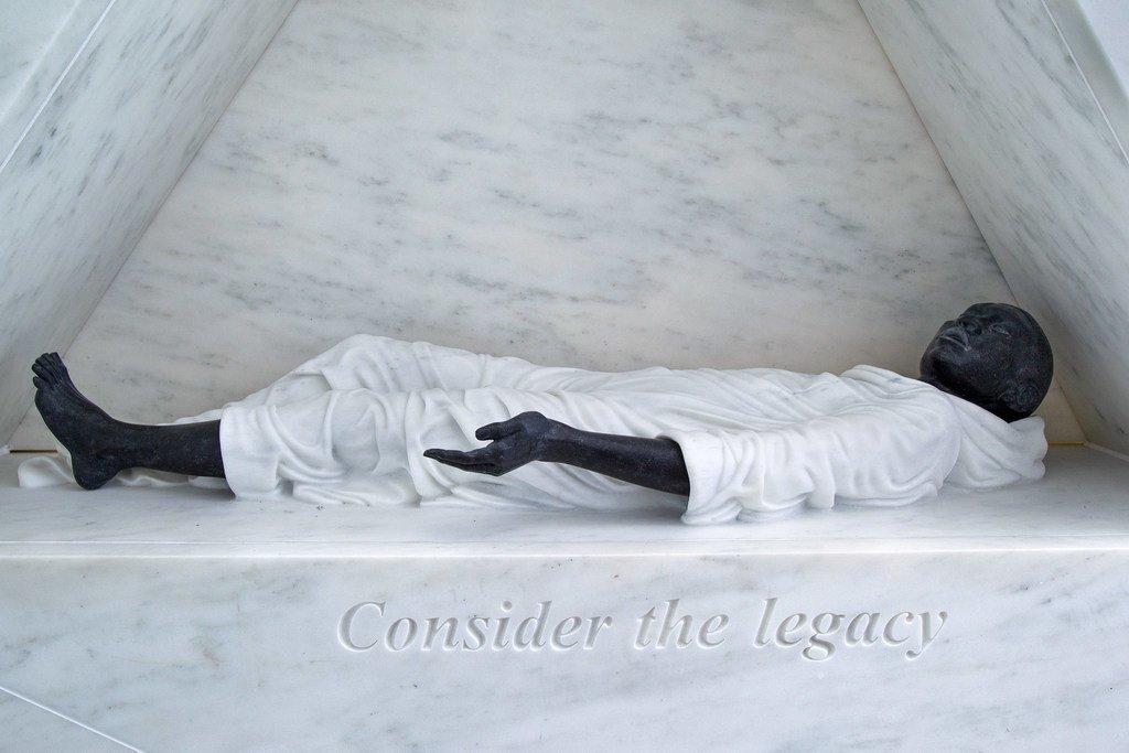 Détails de 'L'arche du retour', le mémorial permanent à l'ONU en reconnaissance de la tragédie de l'esclavage et du commerce transatlantique des esclaves.