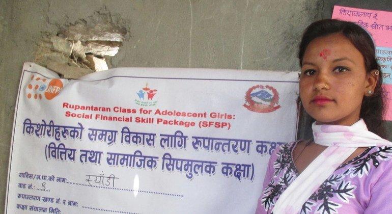 Сохранить детство: в Непале девушка добилась отмены более десятка детских браков