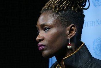 Rokhaya Diallo, journaliste et écrivain antiraciste française d'ascendance africaine lors d'un entretien avec ONU Info au siège des Nations Unies à New York.