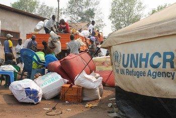 Refugiados da região de Kassai, na República Democrática do Congo, chegam a Lóvua, no norte de Angola.
