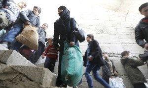 Жители города Бейт-Сава собирают вещи, чтобы успеть покинуть Восточную Гуту через гуманитарный коридор