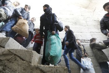 Жители города Бейт-Сава в собирают вещи, чтобы успеть покинуть Восточную Гуту через гуманитарный коридор