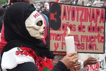 Manifestación en la Ciudad de México sobre el caso de la escuela Normal de Ayotzinapa