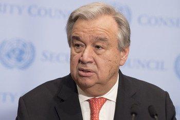 Chefe da ONU participou na celebração nos jardins da ONU.