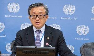 联合国负责经济和社会事务的副秘书长刘振民资料图片