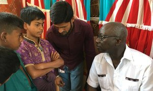 联合国防止灭绝种族问题特别顾问迪昂在孟加拉国考克斯巴扎探访罗兴亚难民。