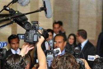 Des journalistes lors d'un point de presse.