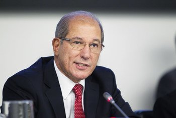Ahmet Üzümcü.
