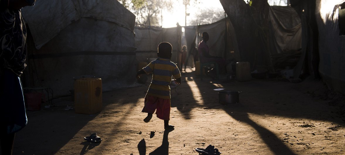 A child plays in a displaced persons camp in Bor, South Sudan. (file photo)