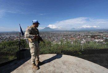 Boina-azul da ONU em Goma, cidade que o comboio iria visitar