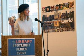 Bea Johnson en una conferencia en la Biblioteca Dag Hammarskjöld de las Naciones Unidas, en Nueva York.