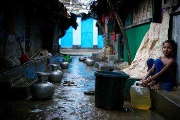 Un enfant réfugié rohingya dans un camp de fortune à Cox's Bazar, au Bangladesh.