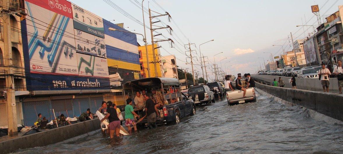 Hasta el 10% de la población en Tailand puede ver cómo sus tierras quedan sumergidas por el aumento del nivel del mar debido al cambio climático.