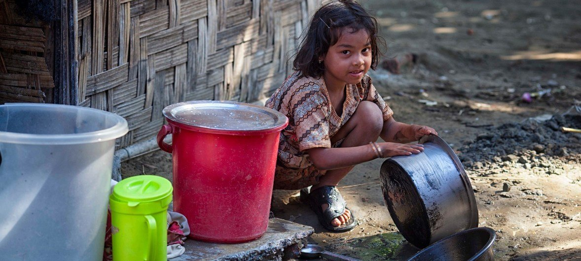 A girl in Basara IDP camp near Sittway, Myanmar Tensions in Myanmar forced thousands of Rohingya Muslims into makeshift camps. (file)