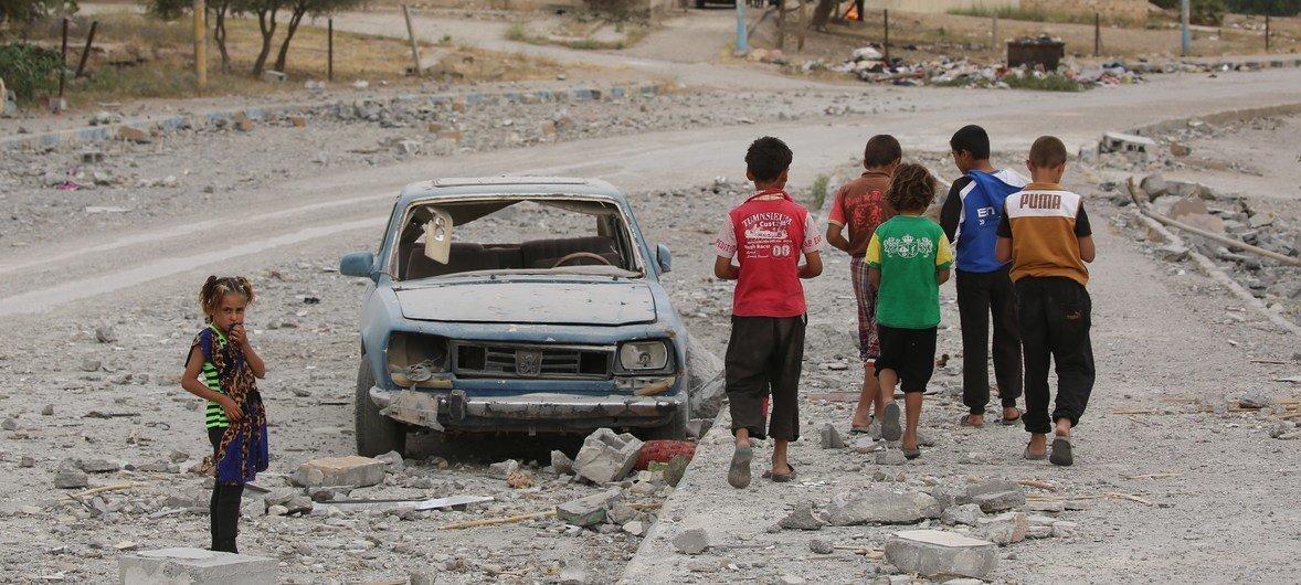 Segundo o Unicef, 5,3 milhões de crianças sírias precisam de ajuda humanitária urgente.