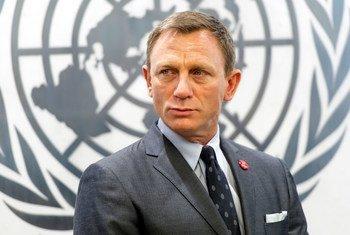 Daniel Craig fala sobre Dia Internacional de Alerta e Ação sobre Minas