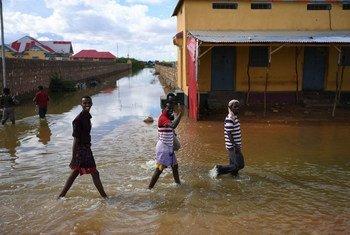 أدت الفيضانات الشديدة في الصومال إلى نزوح أكثر من 150 ألف شخص.