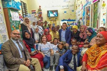 جانب من الأطفال و أسرهم الذين استفادوا من برامج تعزيز حماية الطفل في محافظة أسوان بدعم من اليونيسف