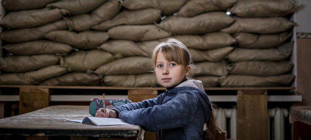 ONU declara que ataques a crianças continuam e partes em conflito desrespeitam proteção infantil.