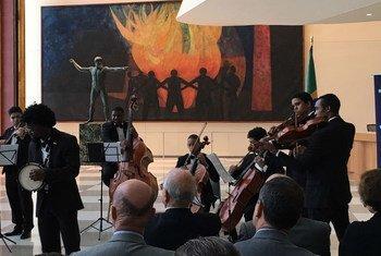 Orquestra Camerata Jovem toca na sede da ONU