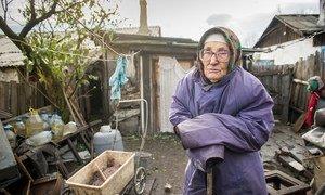 Нине Григорьевне 90 лет, она живет в маленькой деревушке в Донетской области без какой-либо помощи со стороны близких.
