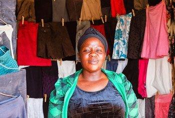 Na Tanzânia, o comércio aumentou oportunidades para mulheres, mas a desigualdade de género continua.