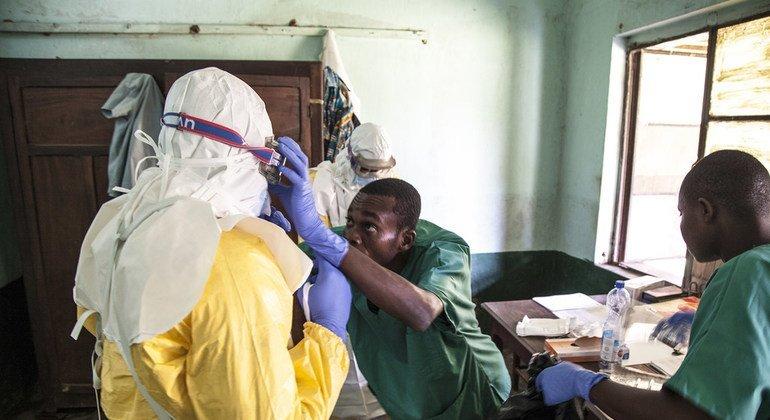 Вспышка Эболы: ближайшие недели будут критическими