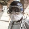 أحد العاملين في القطاع الصحي لمكافحة الإيبولا  بمستشفى بيكورو بجمهورية الكونغو الديموقراطية
