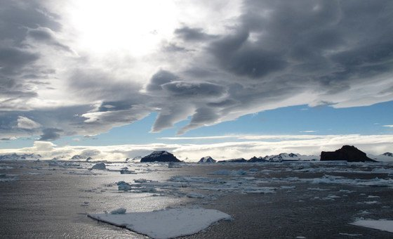 南极洲古斯塔夫王子海峡。2015年,世界气象组织表示,在南极洲上空发现面积达2820平方公里的臭氧层空洞,是美国航空航天局有记录以来的最高值。