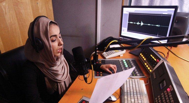 Estudio de radio en Afganistán.