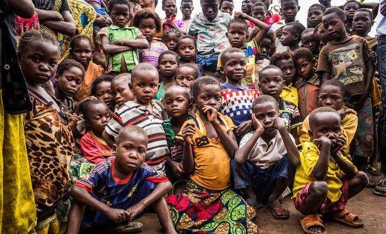 Crianças na vila de Benakuna, na região dos Kassais.
