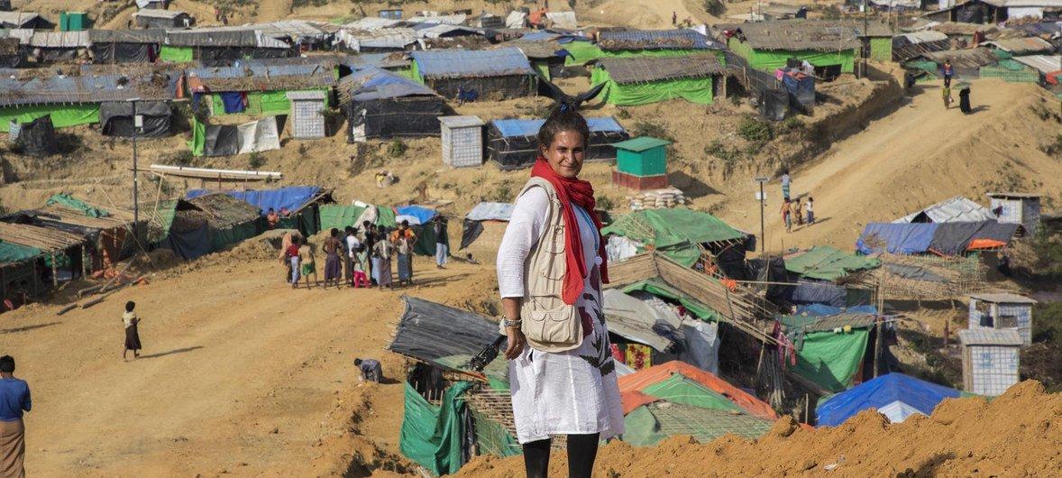 孟加拉国考克斯巴扎地区难民营中的一位罗兴亚妇女。