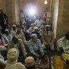 António Guterres akizungumza na waumini wa dini ya kiislamu alipotembelea msikiti Mopti nchini Mali.