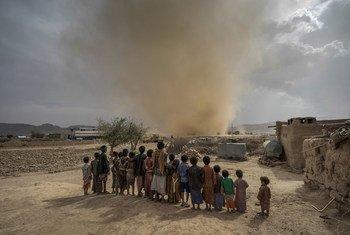 """Nações Unidas considera situação no Iêmen """"a pior crise humanitária do mundo""""."""