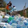 Cada minuto se consumen un millón de botellas de plástico en el mundo.